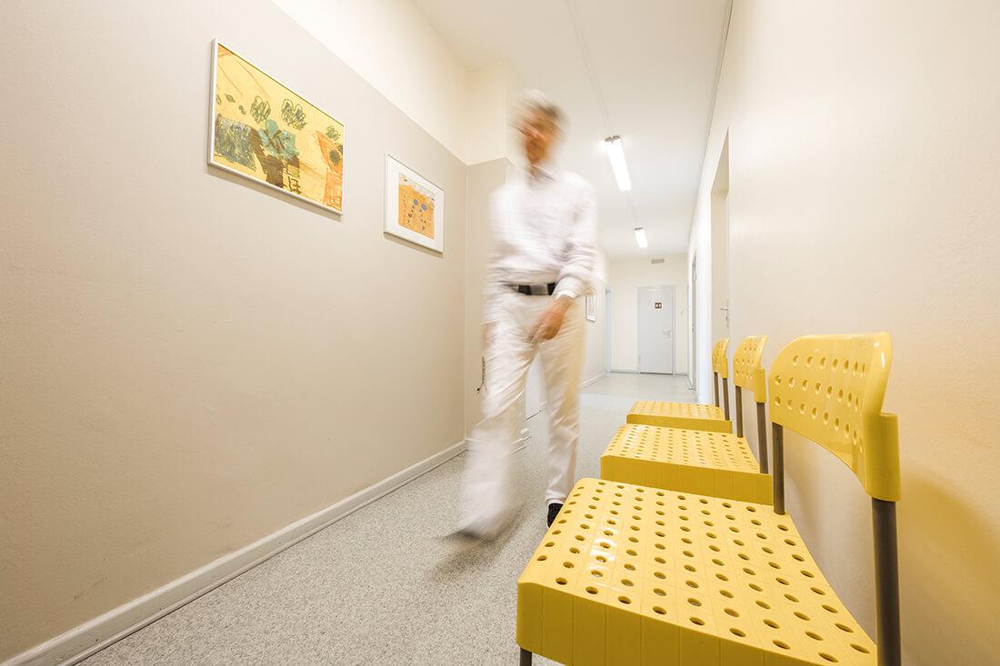 Hausarzt-Bochum-Triebel- Freundliche Farben in unserer Praxis